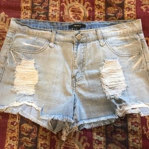 🍒Forever 21 light blue extreme Distressed
